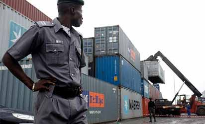 How Benin Outpost Customs Officials Share Loot On Highway After Extorting Importers